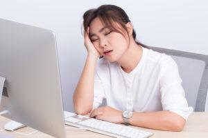 3 Cara Menghilangkan Rasa Ngantuk Saat Bekerja